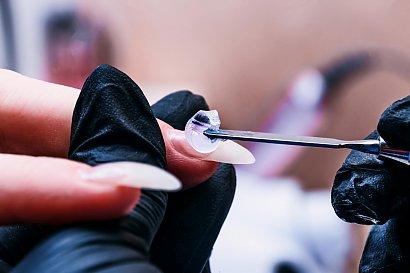 Polygel– sposób na przedłużanie paznokci w 5 prostych krokach.