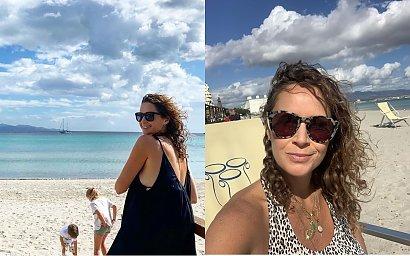 Monika Mrozowska na zdjęciu w bikini eksponuje ogromny, ciążowy brzuch. Wyznaje ile przytyła!