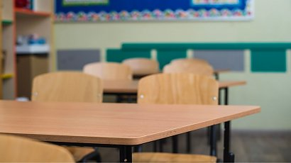 Otwarcie szkół jesienią było błędem? Rząd błędnie otworzył placówki? Wirusolożka wyjaśnia