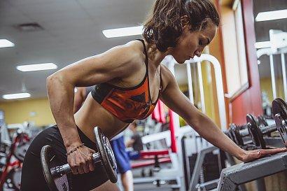 Kluby fitness mogą być zasilane energią wytwarzaną przez ćwiczących. To pozwala oszczędzić na rachunkach za prąd i ograniczyć emisję CO2