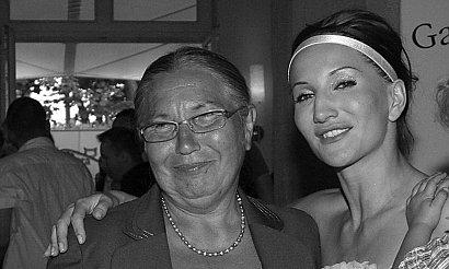 """Justyna Steczkowska w żałobie. Nie żyje jej mama. Miała 78 lat. """"Wiem, że już jesteś w lepszym świecie z tatą u boku"""""""