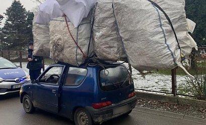 Bagaż dwa razy większy od auta. Kierowca ze Śląska zatrzymany za ułańską fantazję i odwagę