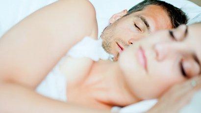 9 rzeczy, które szczęśliwe pary robią tuż przed snem. Nie chodzi tylko o jedno!