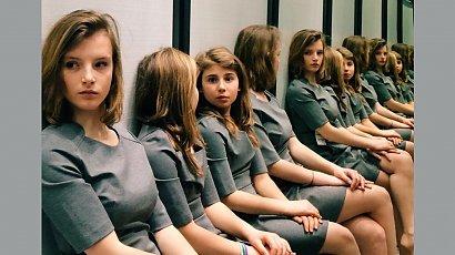 Ile dziewczynek widzisz na zdjęciu? Ta pozornie prosta zagadka podzieliła internautów!