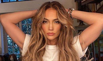 Jennifer Lopez rozebrała się do naga! Uwierzycie, że ma 52 lata?