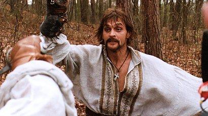 """Pamiętacie Bohuna z """"Ogniem i Mieczem""""? Jak dziś wygląda Aleksander Domogarov?"""