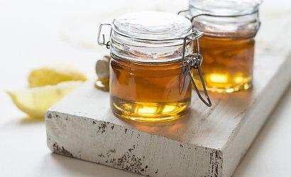 Miód jako kosmetyk - przepisy na domową pielęgnację z tym płynnym złotem