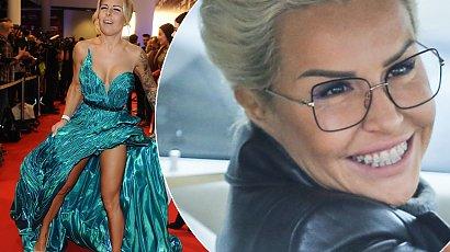 Blanka Lipińska w bobie z grzywką, a do tego platynowy blond! Pasuje jej taka fryzura?