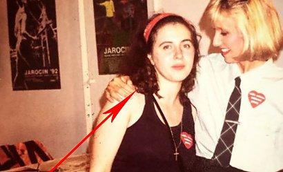 Kim jest dziewczyna obok Agaty Młynarskiej na zdjęciu z 1992 roku? Dziś to znana wokalistka!