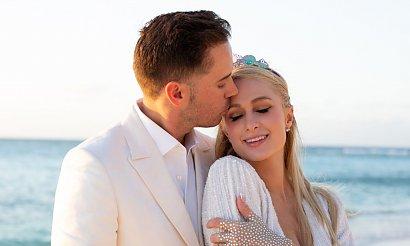 Paris Hilton zaręczyła się w 40-te urodziny! Pokazała pierścionek zaręczynowy za 2 miliony dolarów!