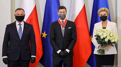 Robert Lewandowski przyjął od prezydenta Andrzeja Dudy Krzyż Komandorski Orderu Odrodzenia Polski