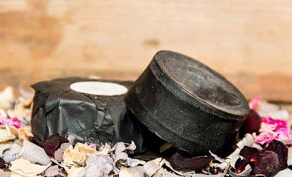 Kosmetyki z węglem aktywnym - 5 najlepszych produktów
