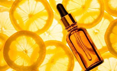 Serum, krem, eliksir - 3 rozświetlające produkty z witaminą C