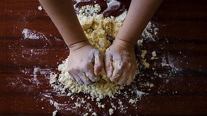 Jak zrobić zakwas do chleba? Mamy na to sprawdzony sposób!