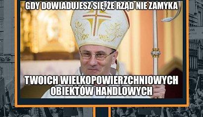 Koronawirus: Kościoły pozostały otwarte!  Internauci tworzą memy o lockdownie