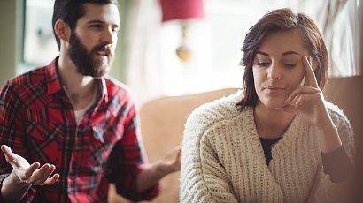 """""""Mąż nie zgadza się, żebym wróciła do pracy. Mam siedzieć w domu i wychowywać dziecko!"""""""