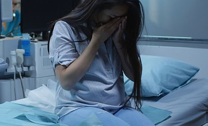 """Koszmar Polek. Kobiety nie chcą rodzić w pandemii: """"Wszyscy traktowali mnie jak trędowatą"""""""