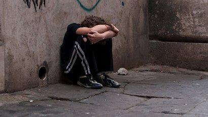 Zalany łzami 7-latek chodził nocą po osiedlu w Łukowie. Szukał mamy...