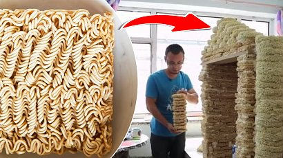 Zbudował domek dla synka z 2000 zupek chińskich. Internauci uważają, że to obrzydliwe