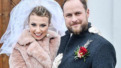 """Katarzyna Ptasińska wyszła za mąż w serialu """"Na Wspólnej"""". Jak wyglądała na swoim ślubie?"""
