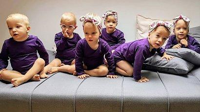 Sześcioraczki z Tylmanowej skończyły 2 latka! Mama pochwaliła się hucznymi urodzinami