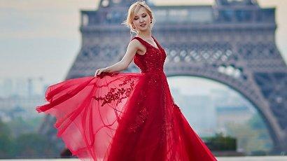 """""""Kupiłam czerwoną suknię na swój ślub. Rodzina będzie w szoku, ale trudno! To przecież mój dzień!"""""""
