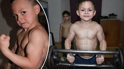 Pamiętacie małego siłacza z ciałem kulturysty? Dziś ma 17 lat i dalej trenuje!