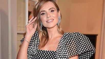 Marta Żmuda Trzebiatowska olśniła na Orłach 2021. Curtain bangs i piękna suknia z kokardą