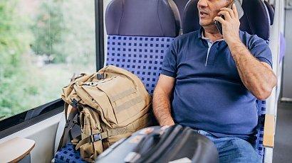 Mężczyzna w pociągu doprowadził pasażerów do szału. Zaczęli zwracać mu uwagę