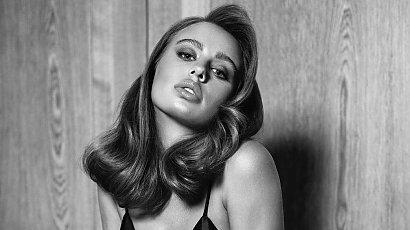 Oliwia Bieniuk w sesji porno chic! Tak seksowna jeszcze nie była! W samym staniku wygina się na szafce!