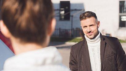 """""""Mąż ogląda się za kobietami na ulicy. Tłumaczy, że każdy facet tak robi. Czyżby?!"""""""