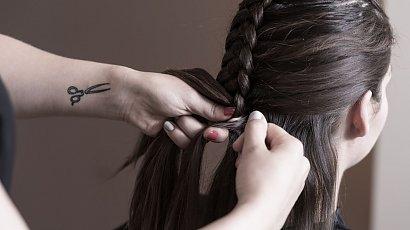 """""""Moja 11-letnia córka chce przedłużyć włosy. Chyba się zgodzę. W końcu to nic złego"""""""