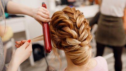 3 fryzury na wesele, które zrobisz łatwo i szybko