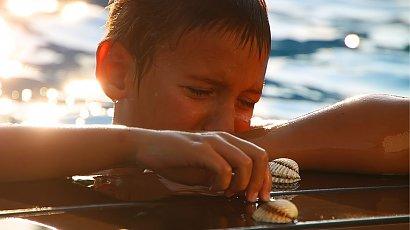 """""""Mąż zmusza naszego 5-letniego synka do pływania. Chce zrobić z niego mężczyznę..."""""""