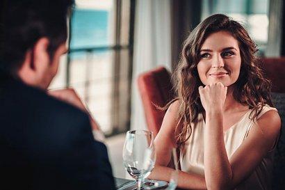Czy mężczyźni są gotowi na prawdziwy związek z dziewczyną pracującą w branży dla dorosłych?