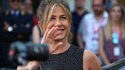 """Jennifer Aniston- gwiazda kultowych """"Przyjaciół"""" i była żona Brada Pitta. Co u niej słychać?"""