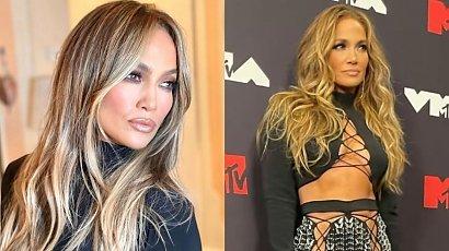 MTV VMA: Jennifer Lopez nie założyła majtek! Jej srebrna sznurowana mini jest hitem!