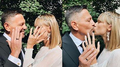 """Krzysztof Ibisz pokazał niepublikowane zdjęcia ze ślubu: """"O rany.. było jak w bajce"""" - oceniają fani"""