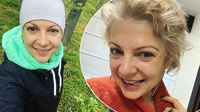 """Magda Narożna już nie jest blondynką. """"Jedna zwykła wiocha!"""", """"Jak od wsiowej fryzjerki"""" - pisali fani"""