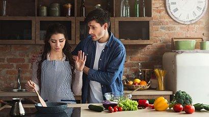 """""""Mąż zawsze porównuje moje dania do obiadków swojej matki! Ciągle mu coś nie pasuje!"""""""