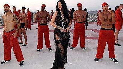 Rihanna w seksownym wydaniu. Na jej pokazie zebrała się sama śmietanka