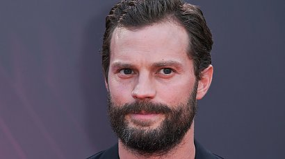 """Zarośnięty Jamie Dornan z """"50 twarzy Greya"""" chwali się piękną żoną. Wiedzieliście, że jest taka ładna?!"""
