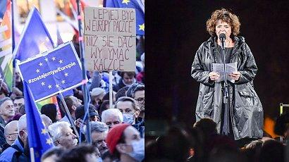 Katarzyna Grochola na proteście za pozostaniem w UE: PiS musi odejść. Ale nie wyborcy PiS-u