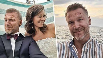 """Krystian Wieczorek na romantycznym zdjęciu z żoną! Gwiazdor """"M jak miłość"""" wspomina bajeczne wakacje!"""