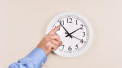 Zmiana czasu — wszystko, co warto wiedzieć. Sprawdź kiedy przestawiamy zegarki!