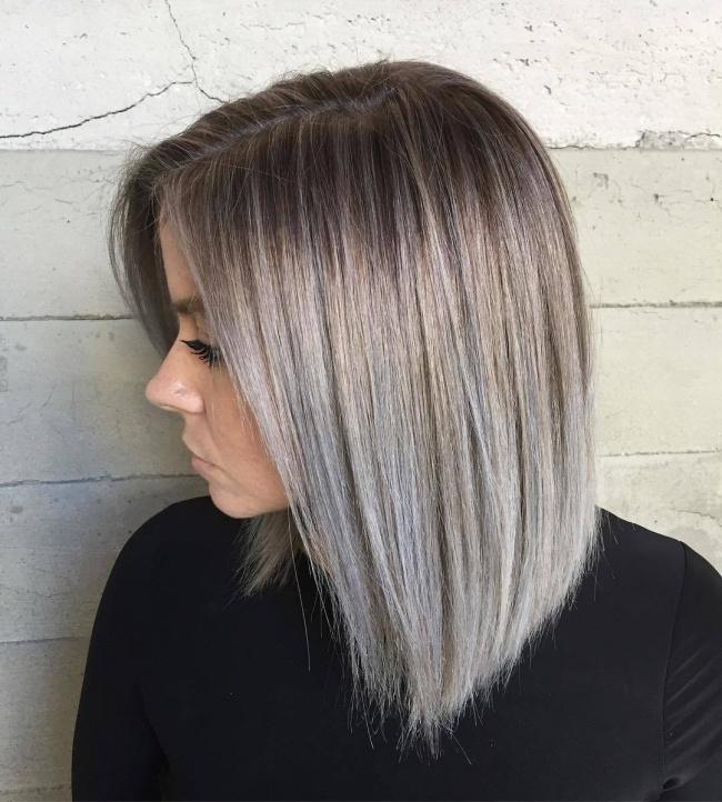 Modne Fryzury Półdługie 2018 Blunt Bob I Cieniowane Włosy