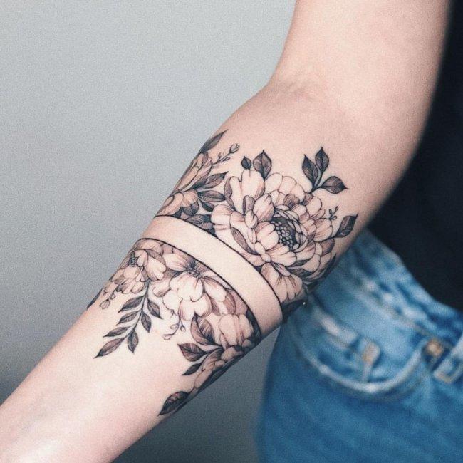 Tatuaże Kwiaty Galeria Najnowszych Wzorów Dla Dziewczyn