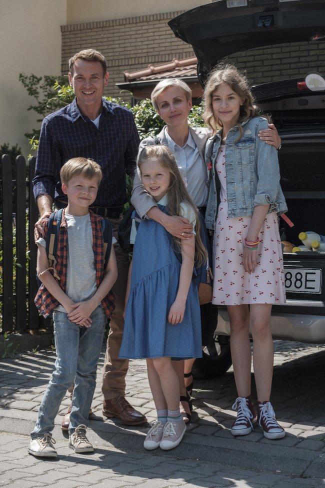 Oni tylko wyglądają na szczęśliwą rodzinę...