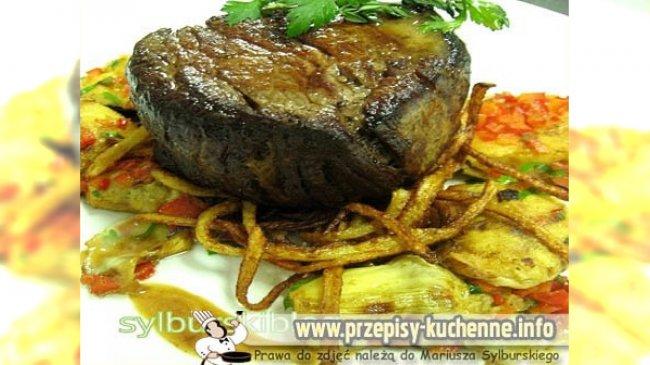 poledwica-wolowa-z-karczochami-i-ziemniakami-julienne-kopia