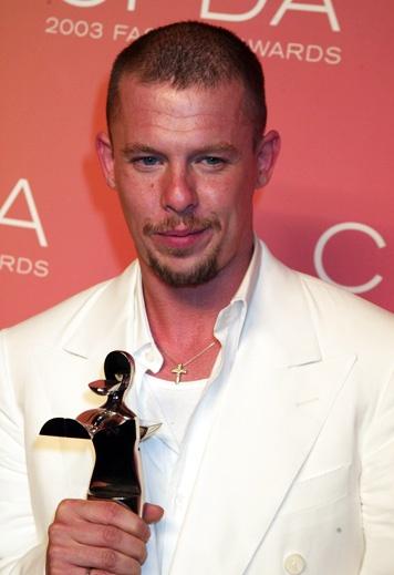 Alexander McQueen z międzynarodową nagrodą CFDA Fashion Awards 2003